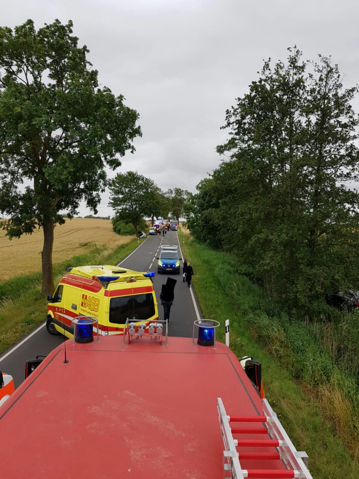 2019-07-07_Technische-Hilfeleistungseinsatz_VKU-8-Verletzte-Personen8