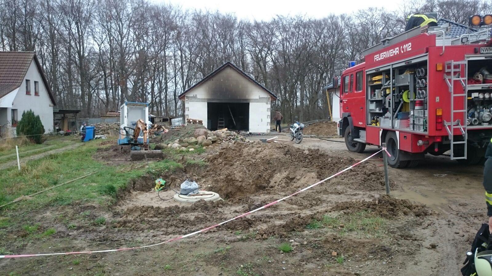 2016-01-21_Brandeinsatz_Garagenbrand_(3)